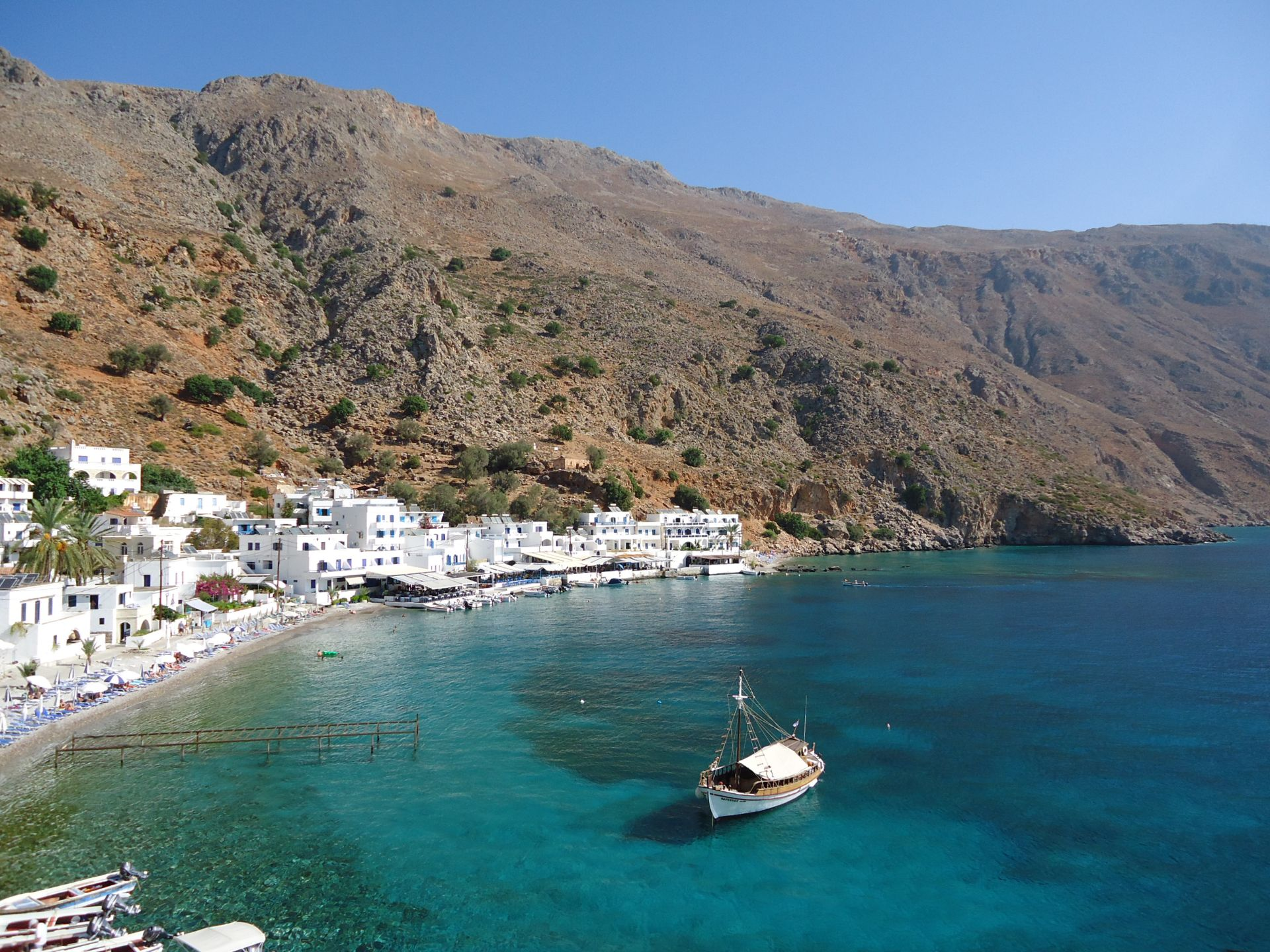 Evenos_Travel_gorges_coastlines_tastes_loutro_coastlines